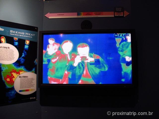 Museu de ciências de Boston - visão infravermelha do predador!!