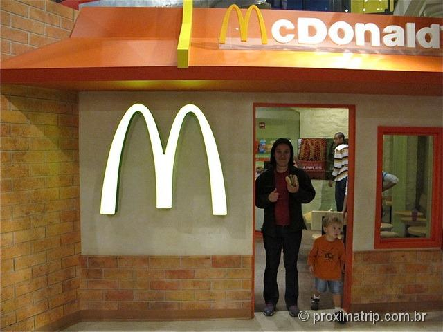 Mc Donalds dentro do Please Touch Museum - Philadelphia