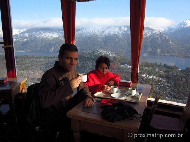 Chocolate quente no Cerro Campanario - Bariloche
