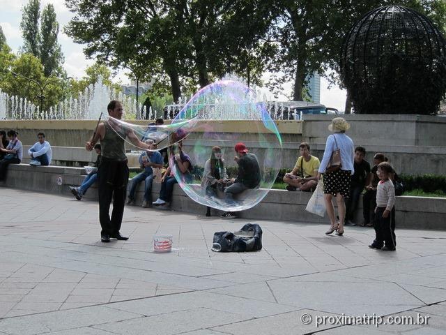 enorme bolha de sabão - Paris