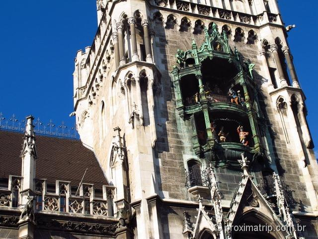 Detalhe das esculturas da Neues Rathaus (prefeitura de Munique) - Marienplatz