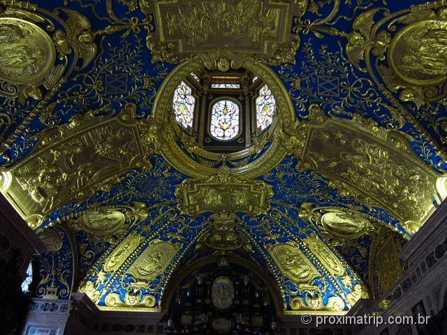 teto de capela no Residenz, todo decorado, folhado a ouro - Munique