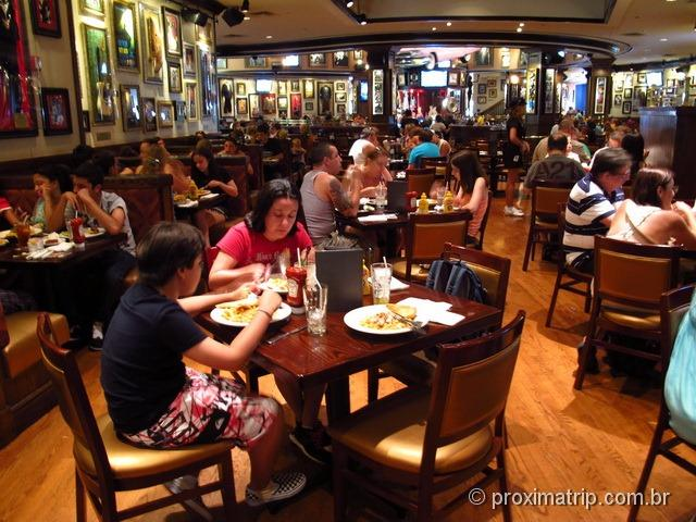 Universal City Walk – dentro do Hard Rock Cafe Orlando
