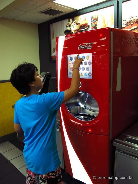 Burger King em Orlando: máquina touchscreen de refri - ProximaTrip