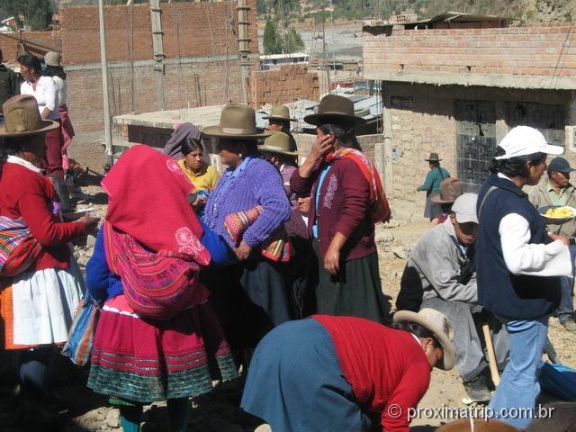 povo e vestimenta peruana