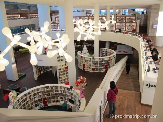 Openbare Bibliotheek - a biblioteca moderna de Amsterdam!
