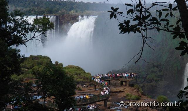 Passarelas em Foz do Iguaçu sem água (época de seca julho/agosto)