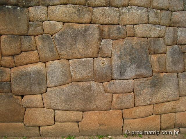 Machu Picchu - trabalho das pedras - encaixe perfeito