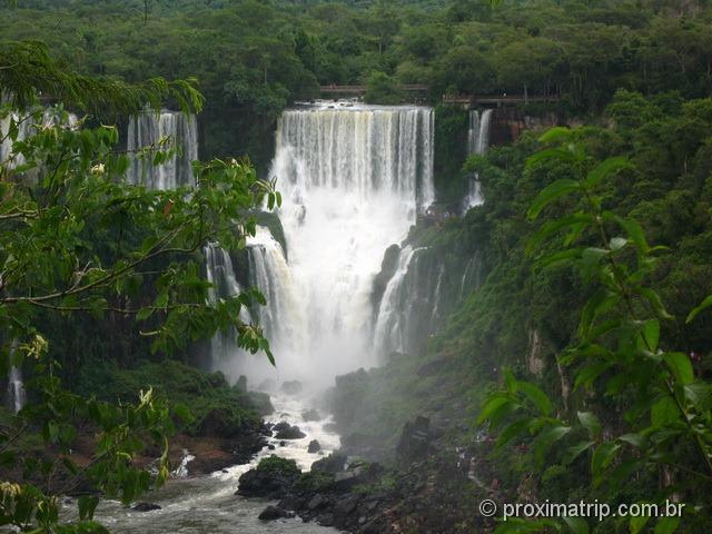Cataratas do Iguaçu - Salto Bossetti (argentina) visto do Brasil