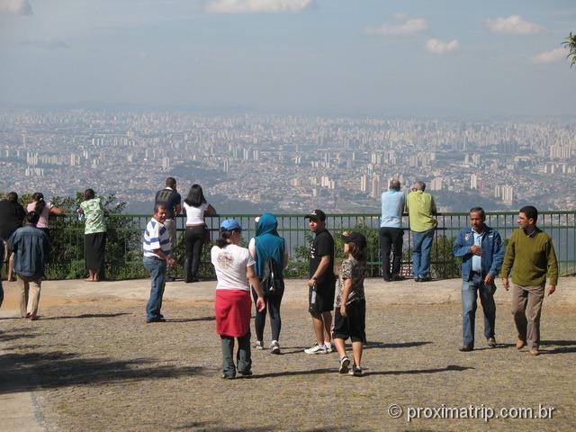 Mirador base do Pico do Jaraguá - ótima vista da cidade de São Paulo