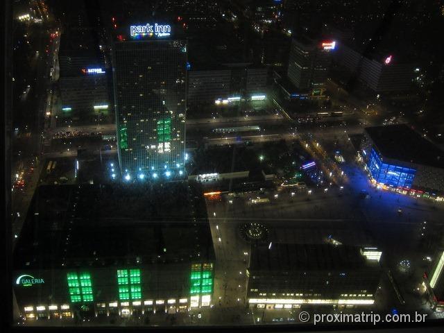 Kaufhoff, C&A e hotel Park Inn vistos da Torre de Tv Fernsehturm - Alexanderplatz - Berlim