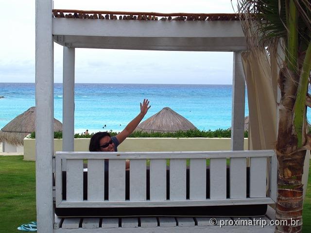 camas de praia do hotel pé na areia Hyatt Regency Cancun - review do Proximatrip