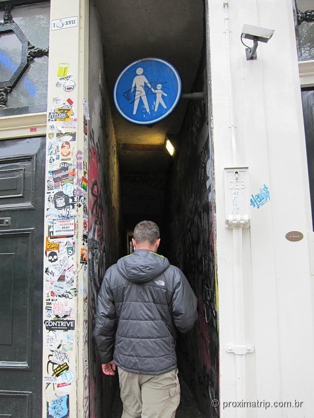 Menor rua do mundo em Amsterdam?