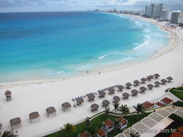 Vista (do quarto): praia do hotel pé na areia Hyatt Regency Cancun - tranquila, sem ondas, mar azul bebê!