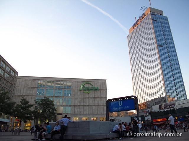Alexanderplatz e a Galeria Kaufhof