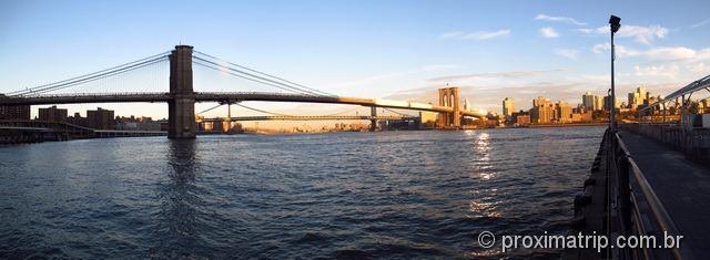 Foto Panorâmica da ponte do Brooklyn vista do Pier 17 - Nova York