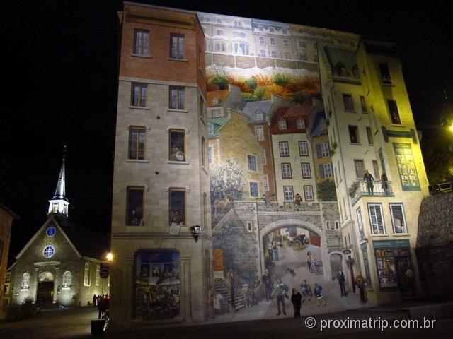 Enorme mural da cidade de Quebec