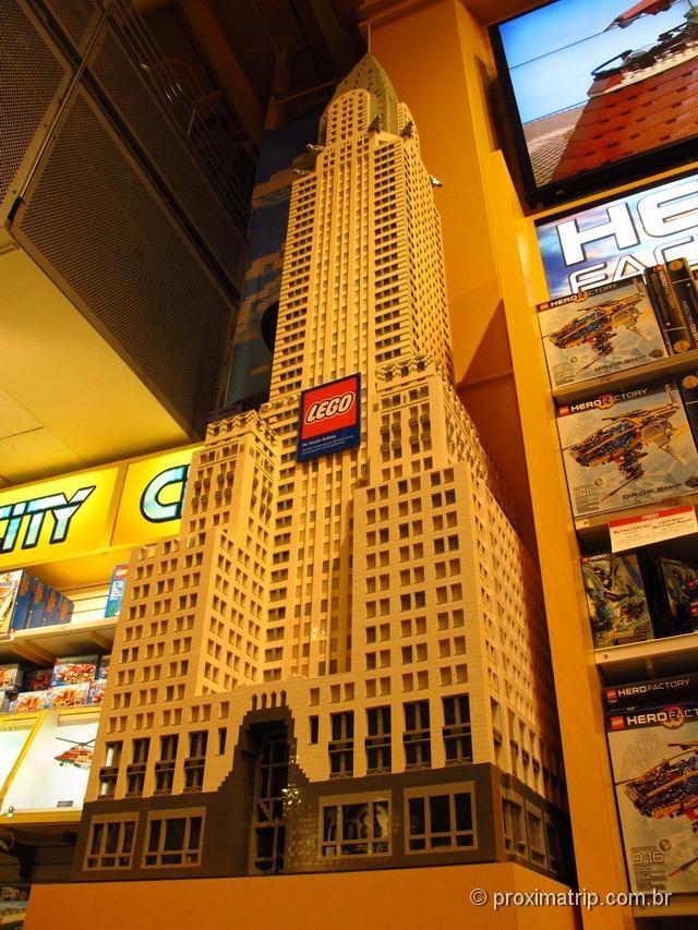 Chrysler building de Lego - Toys R Us na Times Square - Nova York