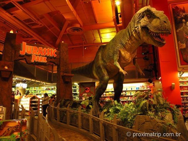 4ba95bb98 Toys R Us na Times Square  a loja de brinquedos mais divertida de ...