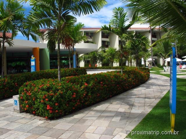 Restaurante e apartamentos ao fundo - Marulhos Suítes Resort Hotel - Próxima Trip