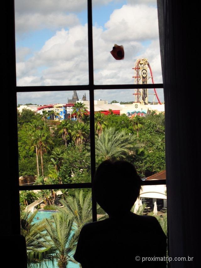 Parque Universal Studios visto da janela do nosso quarto - review do Hard Rock Hotel Orlando