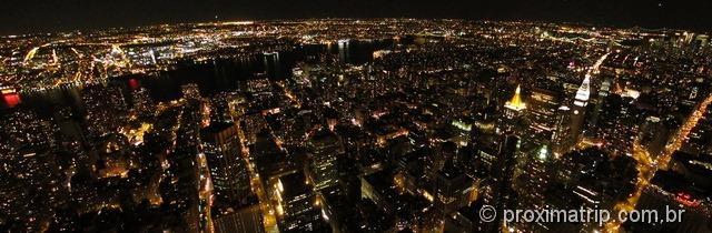 Empire State Building: vista panoramica noturna de Nova York