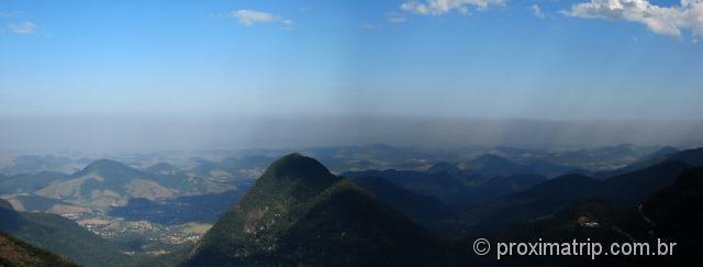 Espessa camada de poluição no litoral do Rio de Janeiro