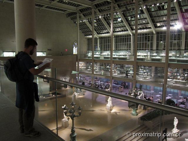 O Metropolitan Museum of Art em Nova York - é enorme por dentro!