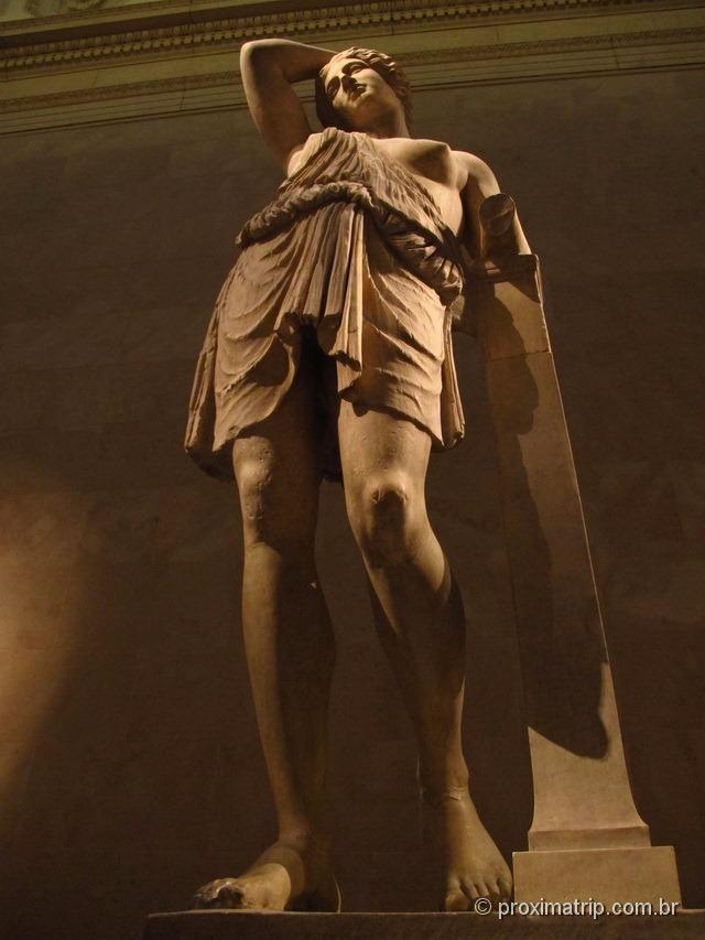 mulher grega em escultura - Metropolitan Museum of Art - Nova York