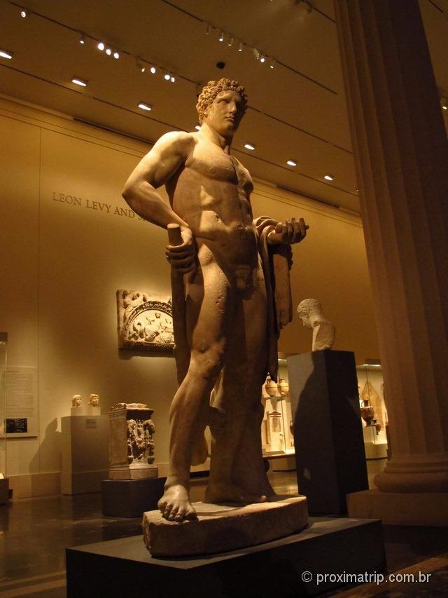 Guerreiro grego em escultura - Metropolitan Museum of Art - Nova York