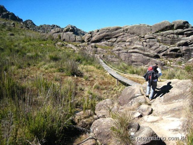 Parque Nacional do Itatiaia - ponte na trilha até o Pico das Agulhas Negras