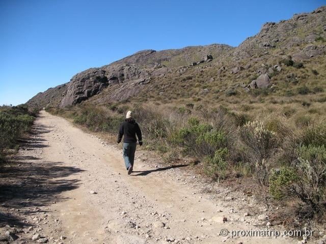 Estrada de terra da portaria até o abrigo rebouças, na parte alta do Parque Nacional do Itatiaia