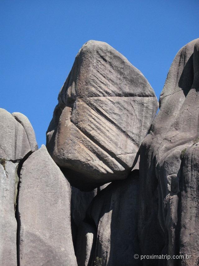 Parque Nacional do Itatiaia - parte alta. Rochas com riscos - foto 2