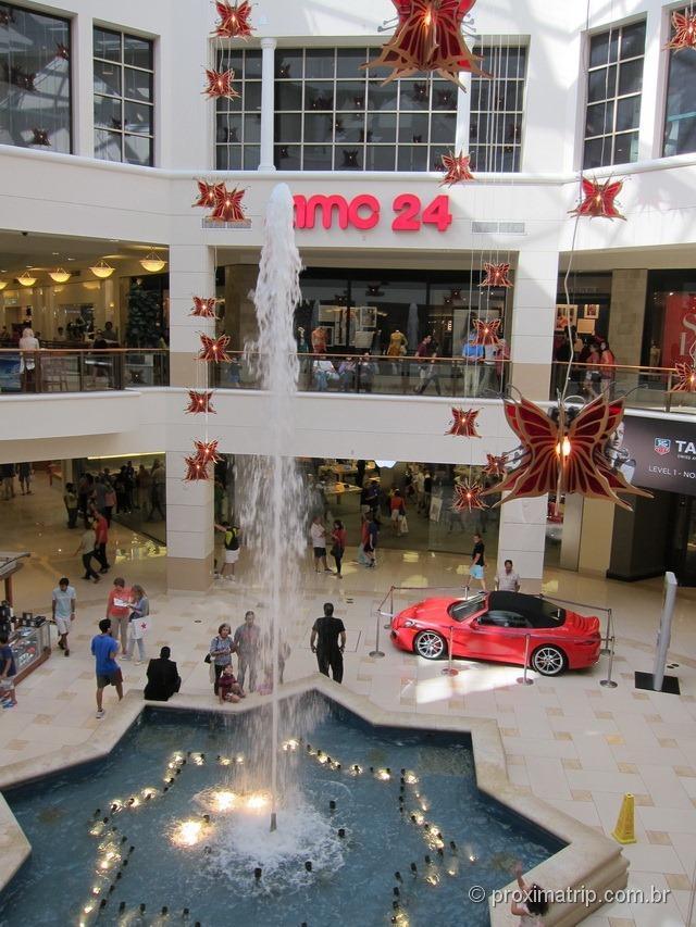 Interior do Shopping Aventura Mall