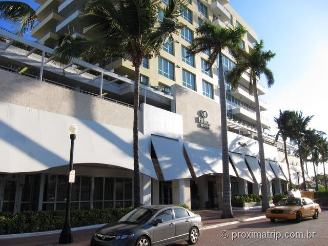 fachada do hotel Hilton Bentley em South Beach - Miami