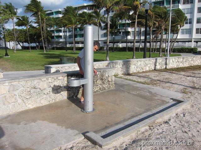 Miami South Beach - chuveiros e torneiras para tirar a areia dos pés