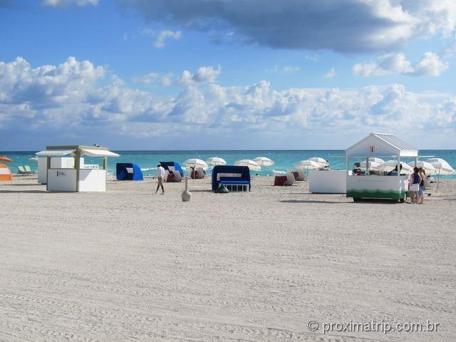 Barracas para venda de bebidas e locação de cadeiras de praia - Miami South Beach