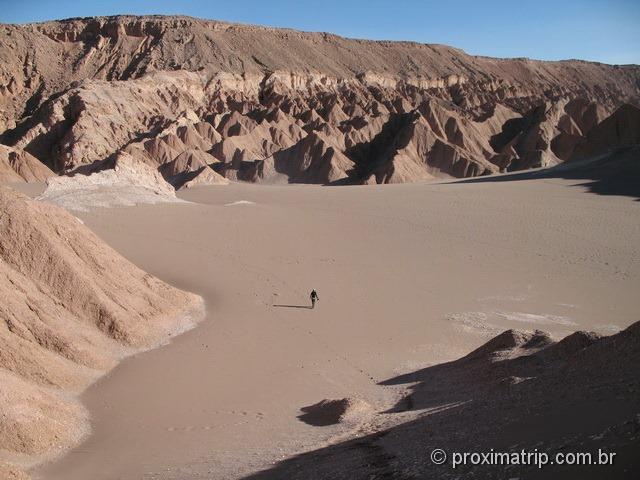 Dunas do Vale da Morte entre as montanhas