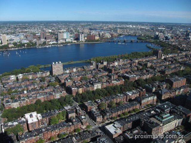 Linda vista alto Prudential Tower: Charles River, Cambridge, bairro Back Bay.