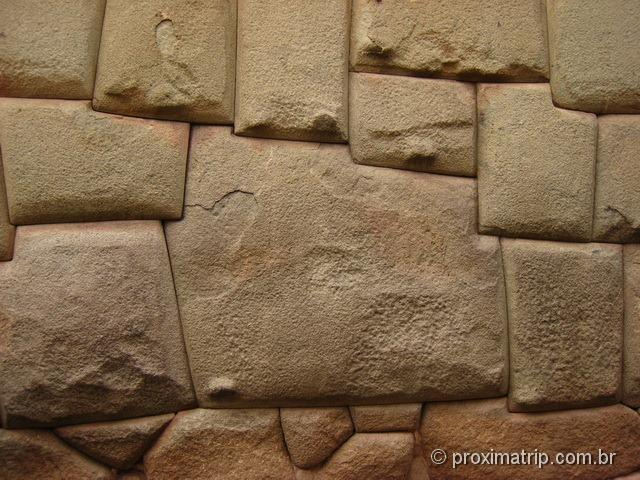 a famosa pedra inca de 12 ângulos - Cuzco (Calle Hatun Rumiyoc) - Perú