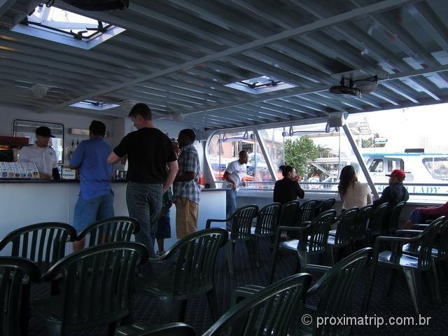 Island Queen cruises - andar de cima barco que faz o passeio pelas casas dos milionários de Miami