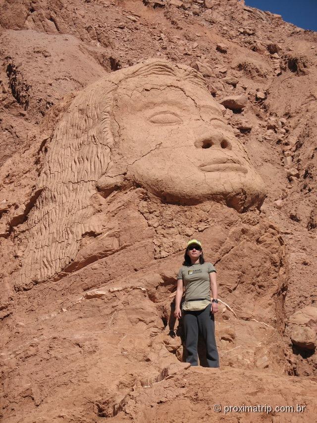 Enorme cabeça perto das Ruínas de Pukara de Quitor - São Pedro de Atacama