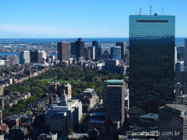 O boston common e a John Hancoock Tower vistos do Prudential Tower