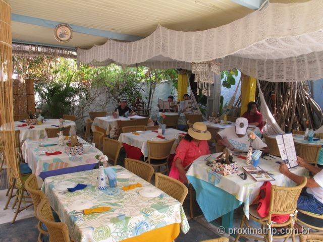 Ambiente e mesas do Restaurante Beijupirá