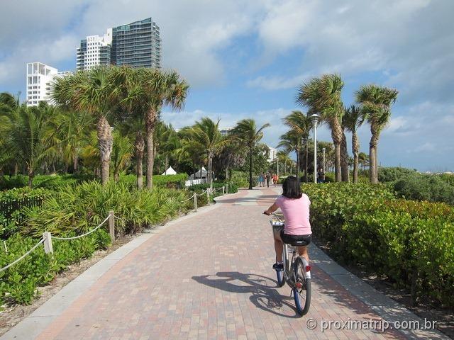 Passeio com bicicleta alugada em miami south beach