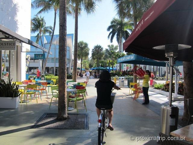pedalando bike Lincoln Road Miami