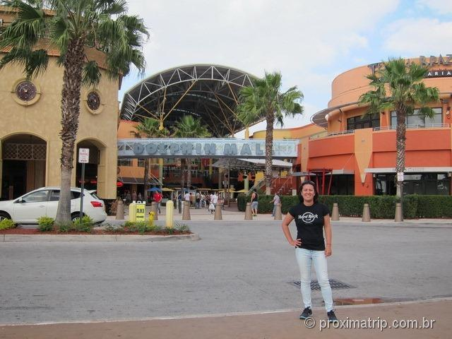 Entrada do shopping/outlet Dolphin Mall - Miami