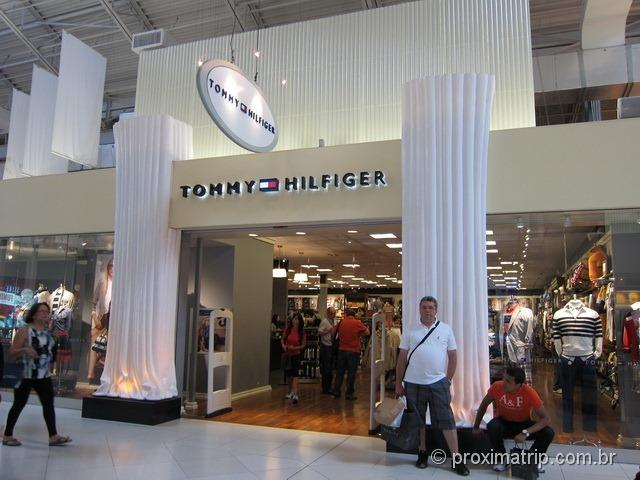 Tommy Hilfiger shopping Dolphin Mall Miami