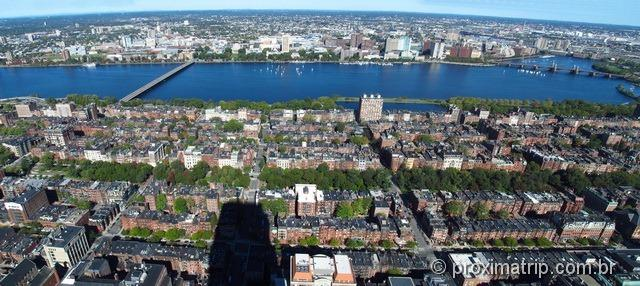 Panorâmica do Back Bay e Charles River vistos do observatório Prudential Tower - Boston - EUA