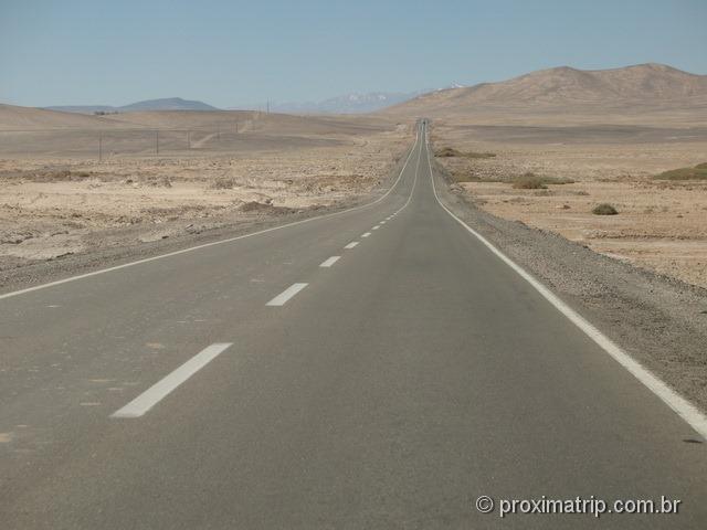 Ruta 5 Panamericana norte atravessando deserto Copiapó Antofagasta